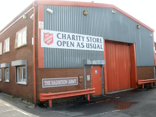The salvation army furniture charity shop for Furniture charity shops