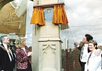 Sr Ann Milne & Declan Lyons campaigned for an Oldham Royal Infirmary  commemorative plaque. Photo by kind permission of the Oldham Chronicle.