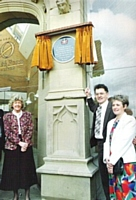 Sr Ann Milne & Declan Lyons and Shadow Education secretary at the unveiling of  the ORI plague in 1992. Photo, by kind permission of the Oldham Chronicle.