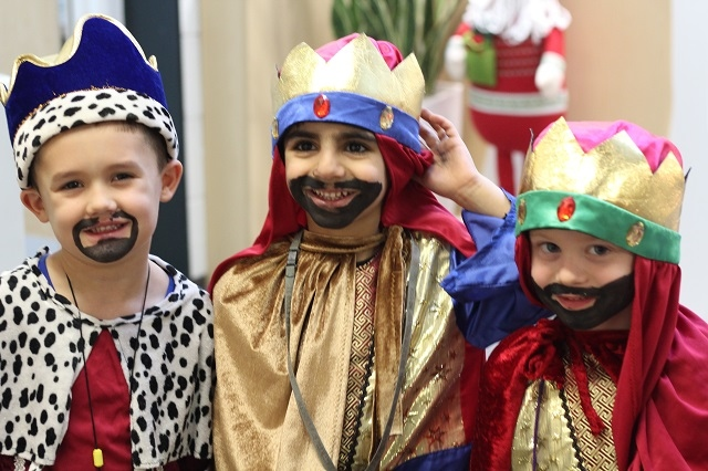 "All Souls' CE Primary Reception performance of ""We Three Kings"""