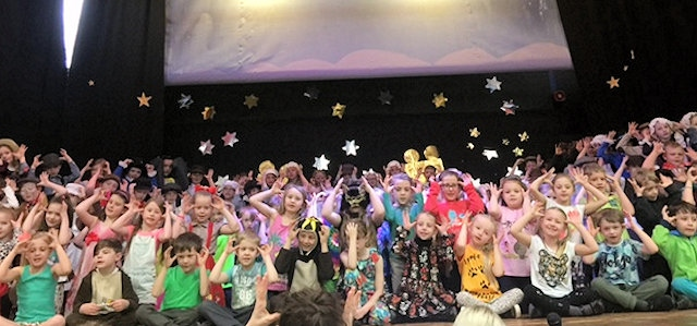 Littleborough Community Primary School KS1 Christmas play