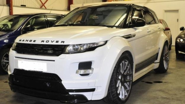 The white Range Rover Evoque Knox was seen meeting Ashiq in