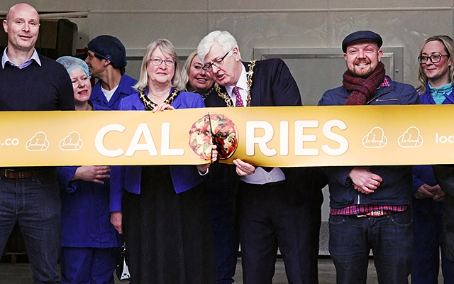 Rochdale News Business News Mayor Cuts The Ribbon At