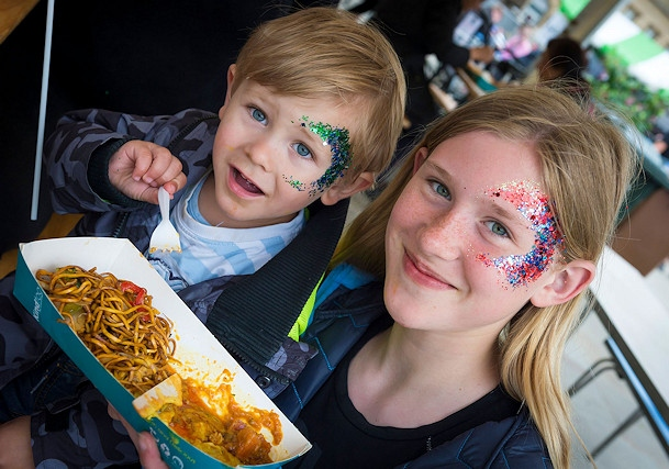 Street Eat was a big hit last year, it returns this May Bank Holiday weekend to Rochdale Town Hall Square on 26 and 27 May.