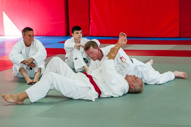 Brian Jacks visits Rochdale Judo Club