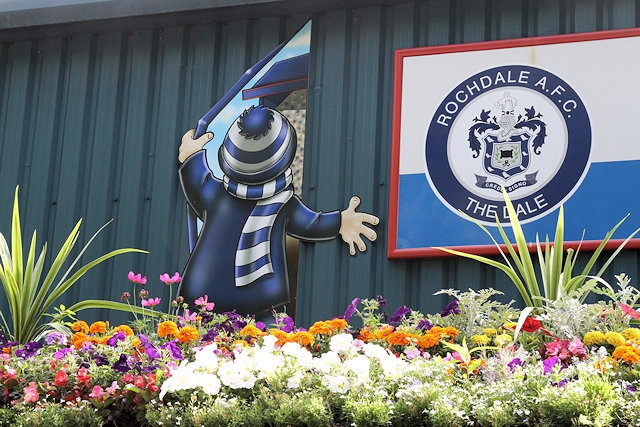 Rochdale AFC Wonderwall - National judging day as Rochdale represents North West in Britain in Bloom