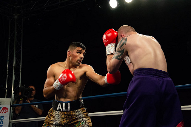 Ali defeated Andrej Cepur 40-36 on points after four rounds