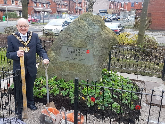 Mayor Billy Sheerin at the Castleton War Memorial