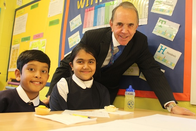 Broadfield Primary school pupils with Councillor Kieran Heakin
