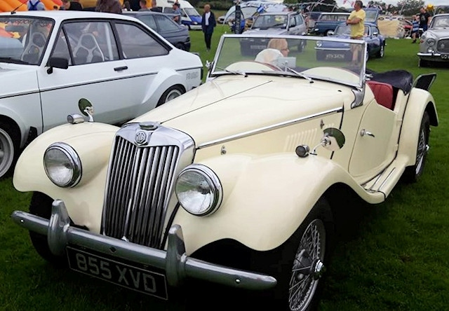 A classic cream MG at the Castleton Car and Bike Show