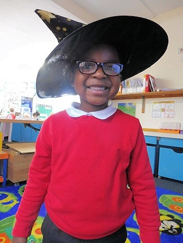 Castleton pupil dressed as a witch for the storytelling