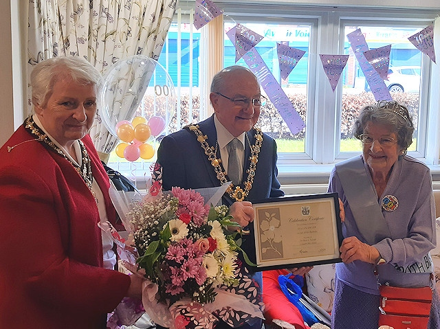 Mayor and Mayoress Sheerin celebrated with Helen Dwyer for her 100th birthday