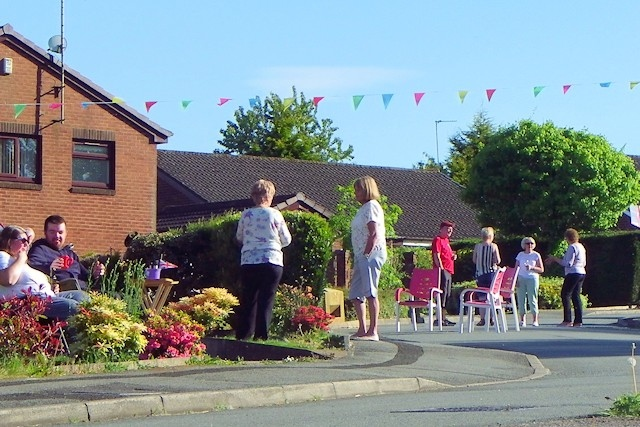 Mountside Close in Rochdale had an 'end of drive/social distance' street party
