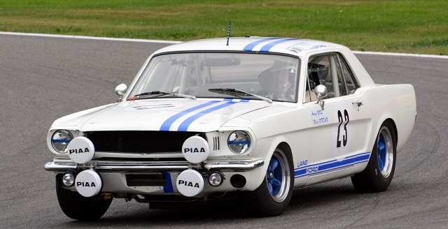 Brown secured two positive race finishes in this Ford Mustang at Donington