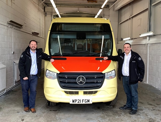 Transdev CEO Alex Hornby (left) and Operations Director Vitto Pizzuti with one of the operator's new Mellor Strata Ultra buses