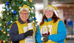 Volunteer to support Marie Curie this Christmas