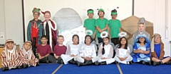 Lowerplace Primary perform �Christmas with the Aliens�