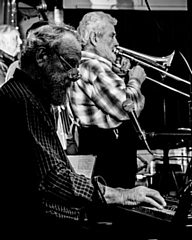 Jazz On A Sunday - Martin Bennett's Old Green River Band