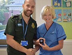 Chief Nursing Officer for England, Ruth May presented an award to Advanced Practitioner, Craig Hayden
