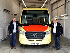 Transdev CEO Alex Hornby (left) and Operations Director Vitto Pizzuti with one of the operator�s new Mellor Strata Ultra buses
